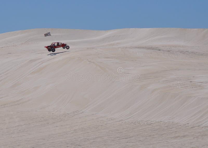 Lancelin: Белые дюны с багги дюны в западной Австралии стоковое фото rf