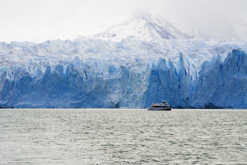 Lancement de croisière - glacier d'Upsal image libre de droits