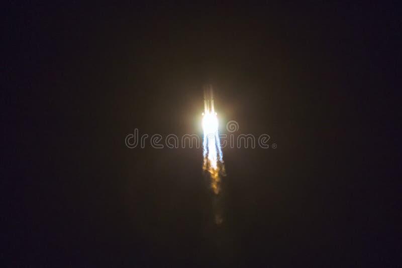 Lancement de fusée de l'espace photos libres de droits
