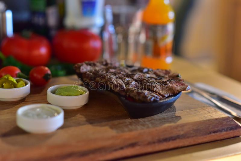 Lancement de turc de viande de boeuf de bifteck image libre de droits