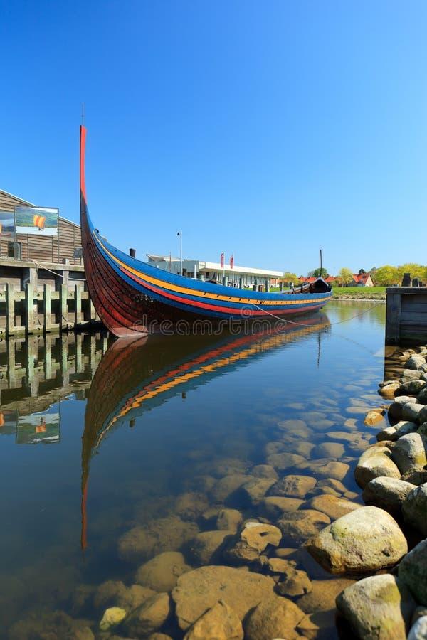 Lancha de Vikingo en Roskilde imagen de archivo libre de regalías