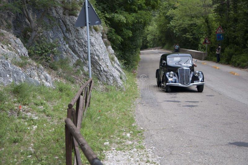 https://thumbs.dreamstime.com/b/lancia-aprilia-old-racing-car-rally-mille-miglia-famous-italian-historical-race-may-pesaro-italy-may-old-racing-108113344.jpg