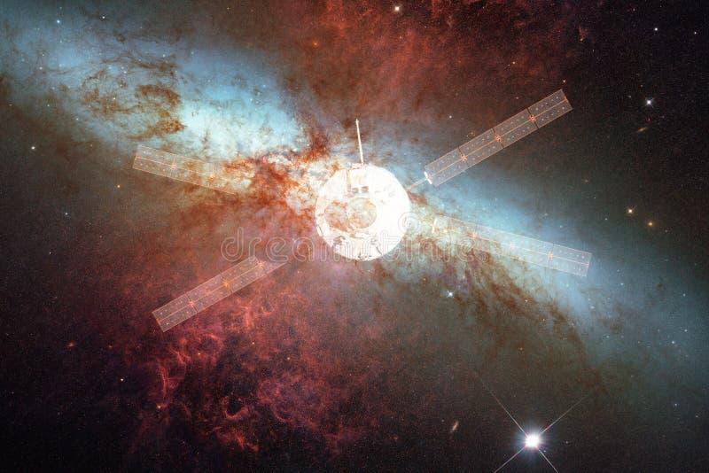 Lancio del veicolo spaziale in spazio Bellezza di spazio cosmico illustrazione vettoriale