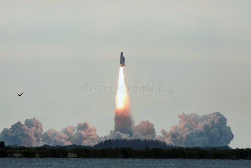 Lancio finale STS-134 di sforzo della navetta spaziale fotografia stock