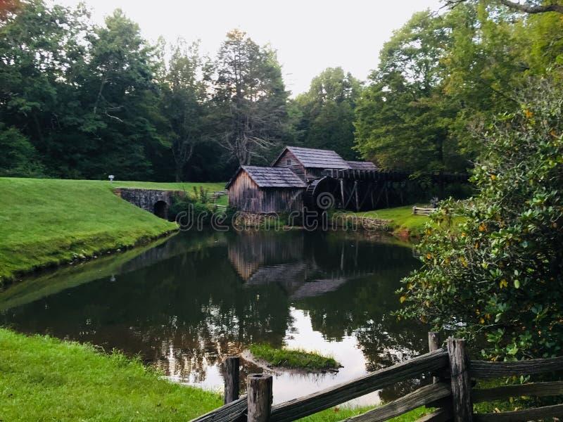 Land Mill i Blue Ridge-bergen i Virginia royaltyfri bild