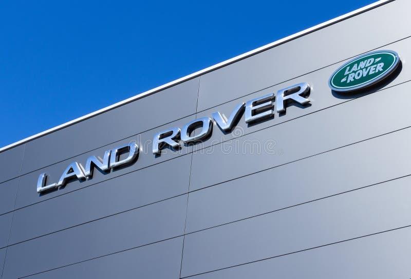 Land Rover Dealership >> Land Rover Dealership Stock Photos Download 106 Royalty