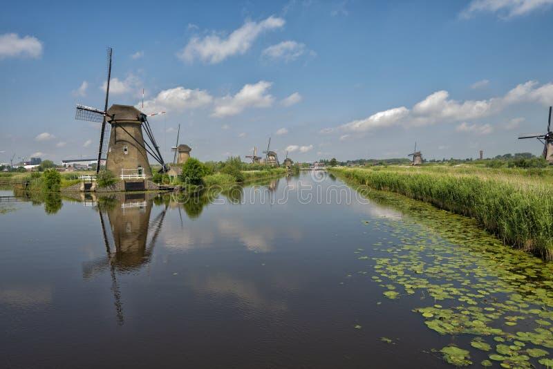 Land van de Duch het uitstekende windmolen stock afbeelding