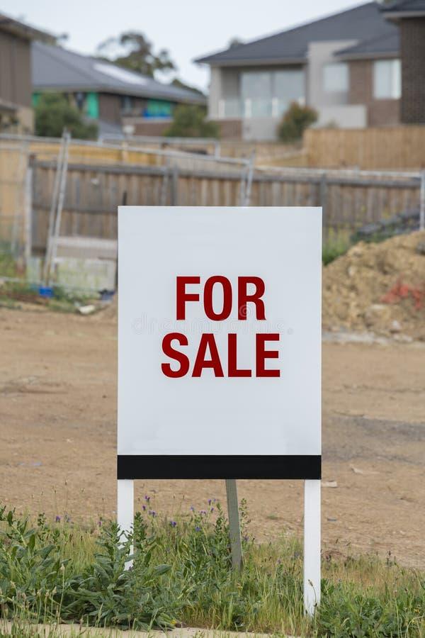 Land voor verkoop stock afbeeldingen