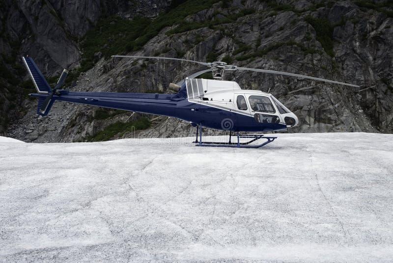 landad Singel-motor helikopter arkivbild