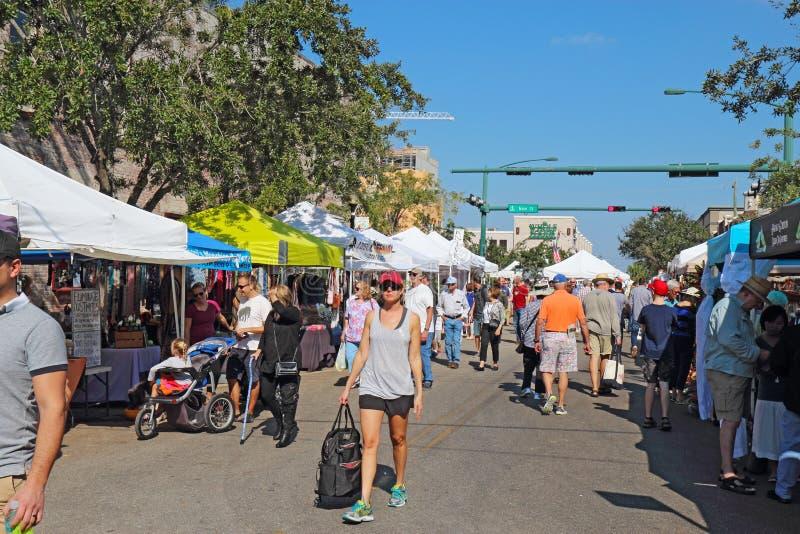 Landbouwersmarkt in Sarasota van de binnenstad, Florida stock foto's