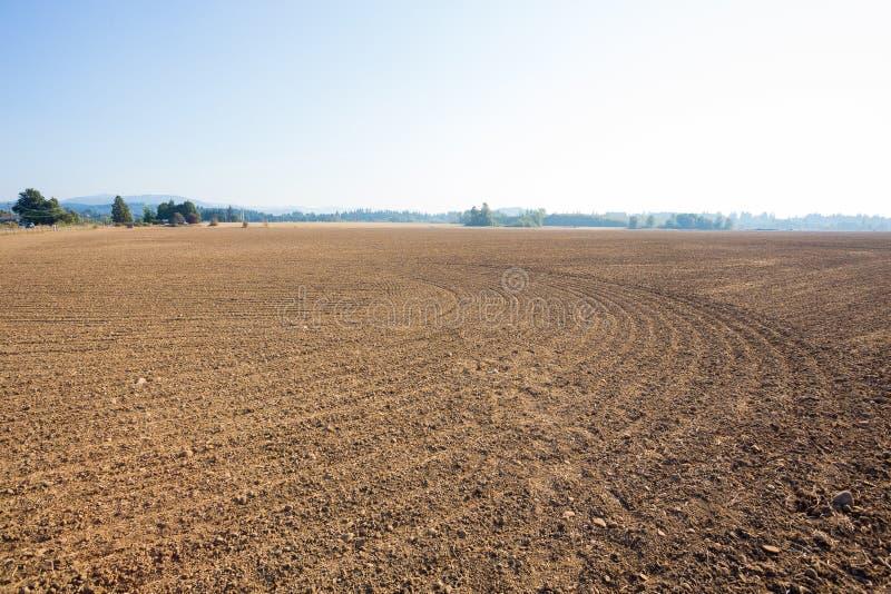 Landbouwgrond Prepped voor Landbouwgebruik stock afbeeldingen