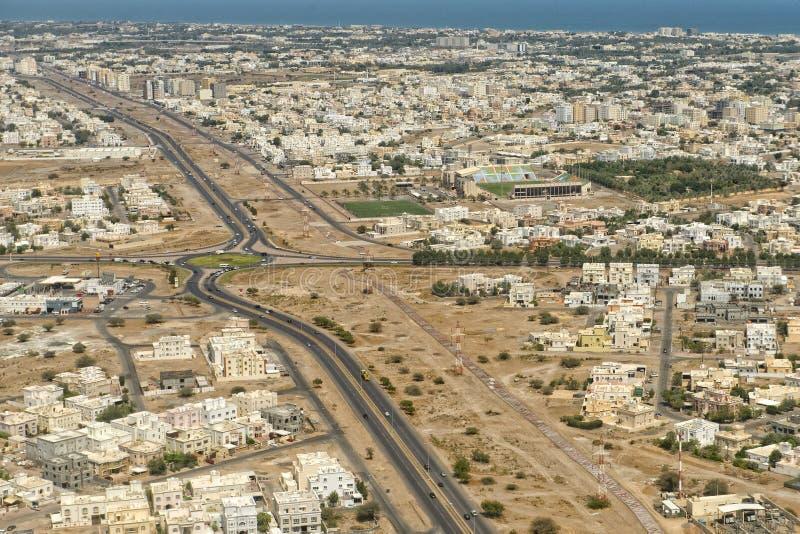 Landcape för flyg- sikt för Muscat arabisk stad royaltyfri foto