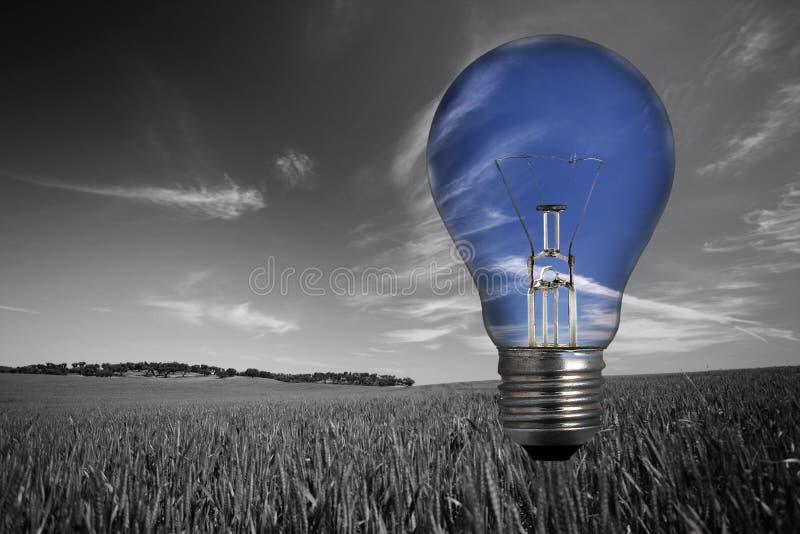 Landcape mit Glühlampe im Himmel stockfotos