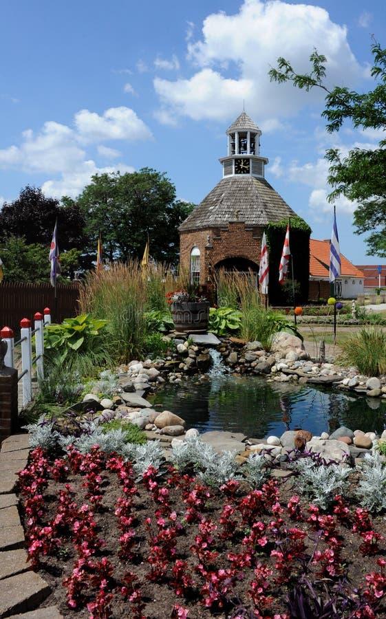 Landcaped Entrance to Dutch Village royaltyfri bild