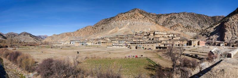 Landelijk Berber-dorp in Marokko stock afbeelding