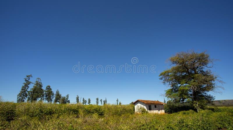 Landelijk landbouwbedrijf in de wereld, plattelandshuisje royalty-vrije stock foto