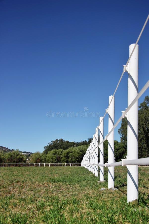 Landelijke landbouwbedrijfomheining royalty-vrije stock fotografie