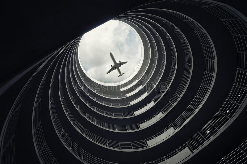 Landend passagiersvliegtuig royalty-vrije stock afbeeldingen