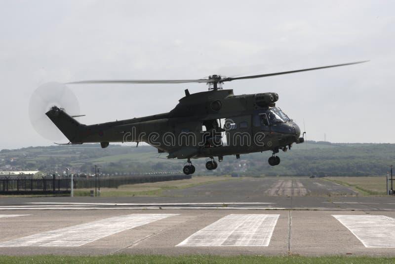 Landende helikopter stock foto