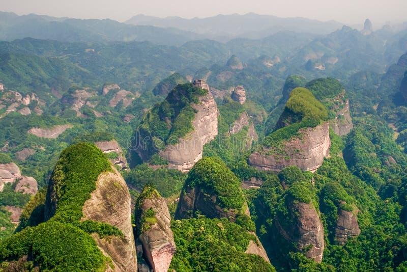 Landform de Danxia, picos em Bajiaozhai fotografia de stock royalty free