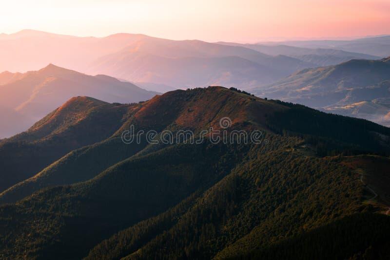 Ридж, небо, гористые Landforms, гора