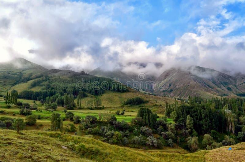 Гористая местность, небо, гористые Landforms, облако