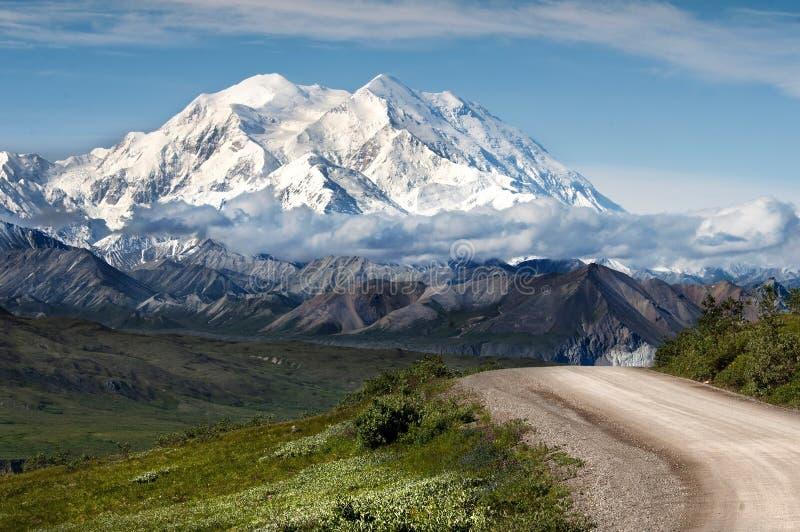 Гористые Landforms, гора, небо, гористая местность стоковые изображения