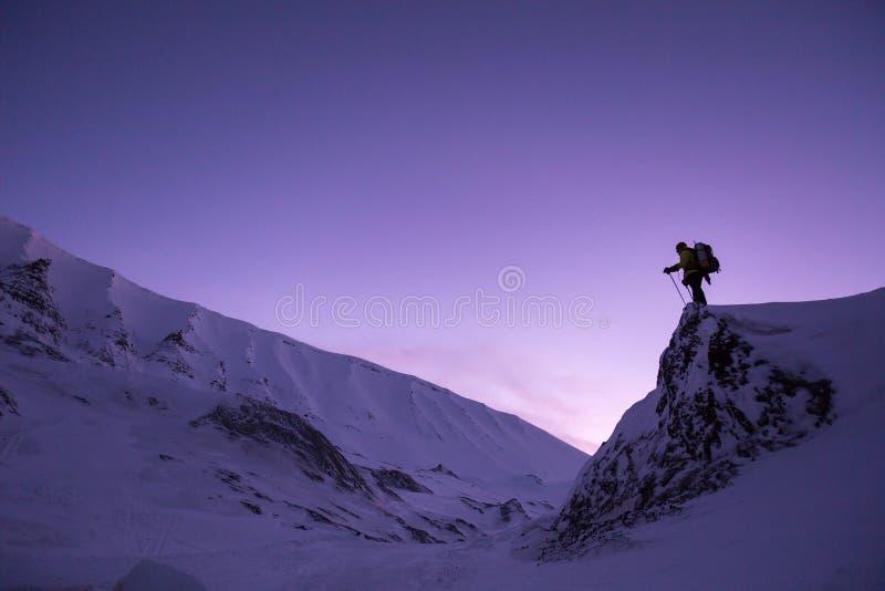 Landforms montagnosi, cielo, catena montuosa, montagna immagine stock libera da diritti