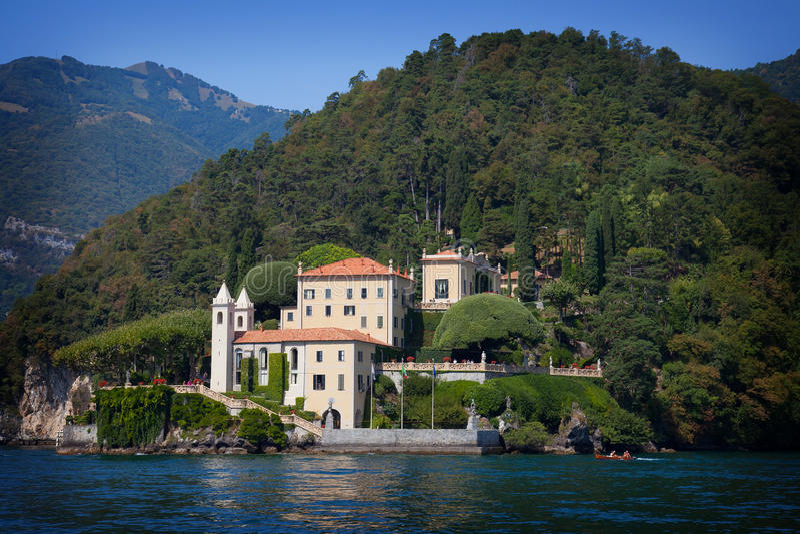 Landhaus Balbianello auf See Como, Italien lizenzfreies stockbild
