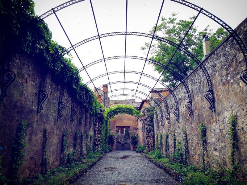 Landhaus d 'Este ein außergewöhnlicher Brunnengarten lizenzfreie stockfotos