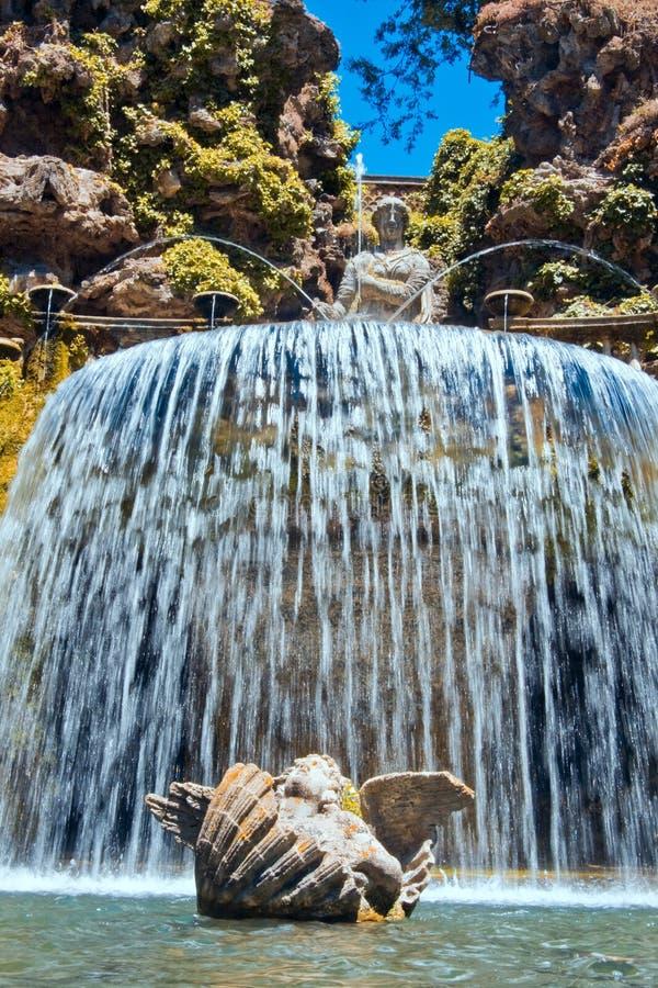 Landhaus d'Este - ovaler Brunnen stockfotografie