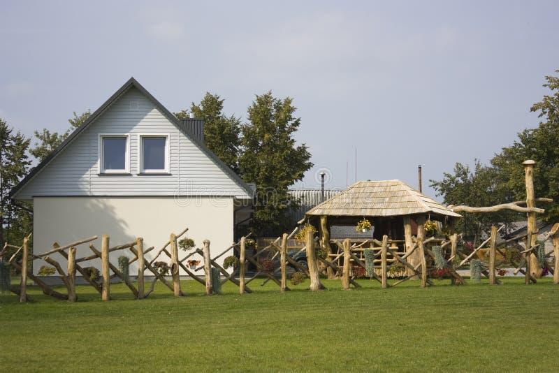 Landhaus, ein Häuschen lizenzfreie stockfotos