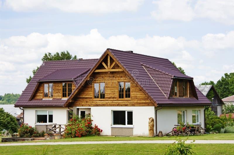 Landhaus, Häuschen lizenzfreie stockbilder