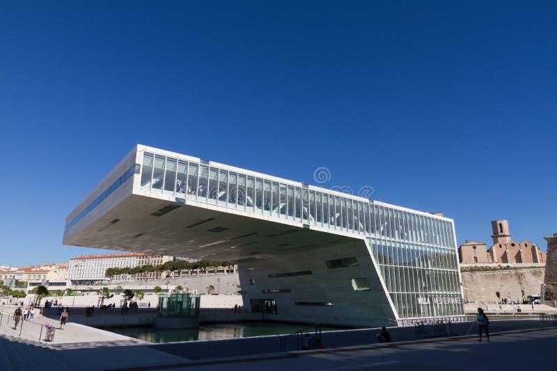 Landhaus Mediterranee ist ein modernes Gebäude in Marseille stockfotografie