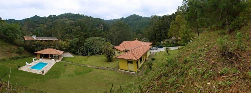 Landhaus-Panorama stockfoto