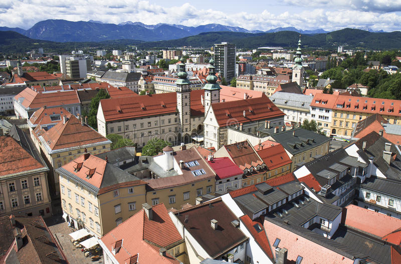 Landhaushof visto dalla chiesa della st Egyd a Klagenfurt fotografia stock libera da diritti