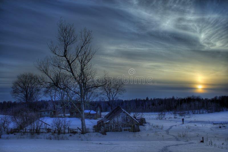 Landhuis in de winter stock foto's