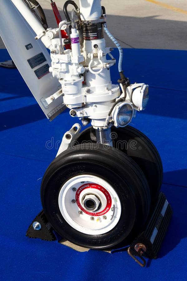 Download Landing Gear editorial image. Image of landing, airline - 28539045