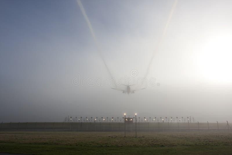 landing misty στοκ φωτογραφία με δικαίωμα ελεύθερης χρήσης