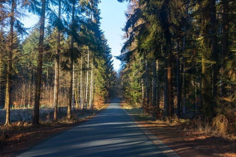 Landroad in Deutschland - Langgöns lizenzfreie stockfotografie
