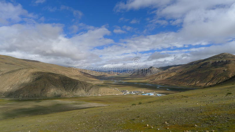 Landscape of Bangda valley on Tibetan Plateau stock photography