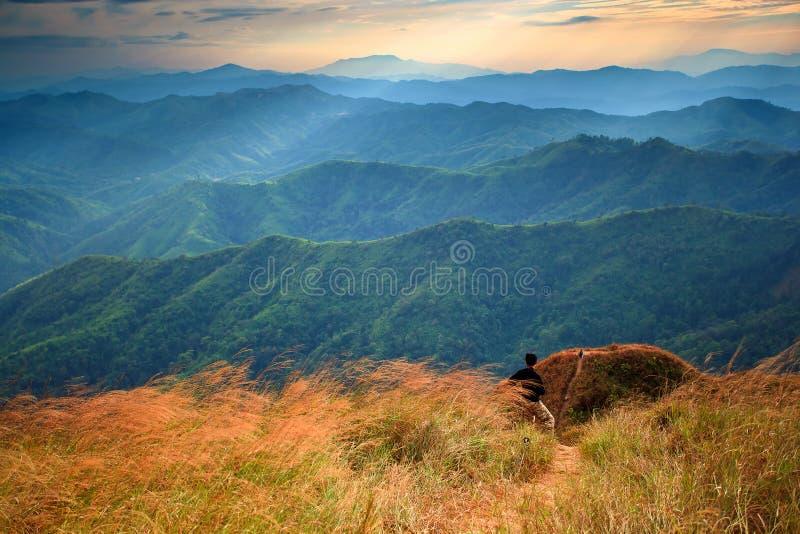 landscape det majestätiska berg royaltyfria bilder