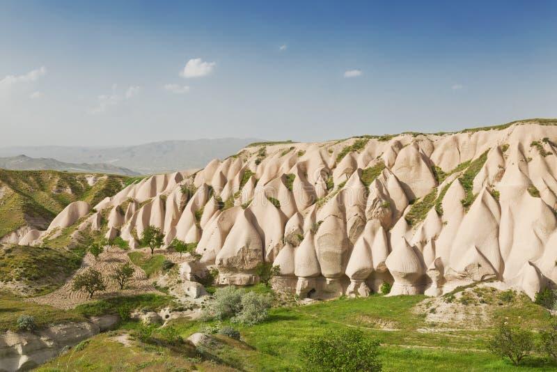 Landscapeon de Cappadocian par jour ensoleillé images stock