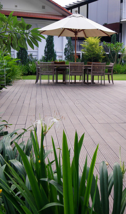 landscaping напольное патио стоковое фото rf