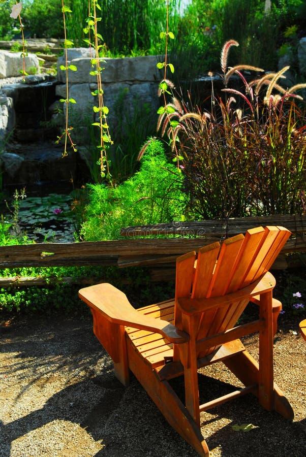 landscaping пруд патио стоковая фотография rf