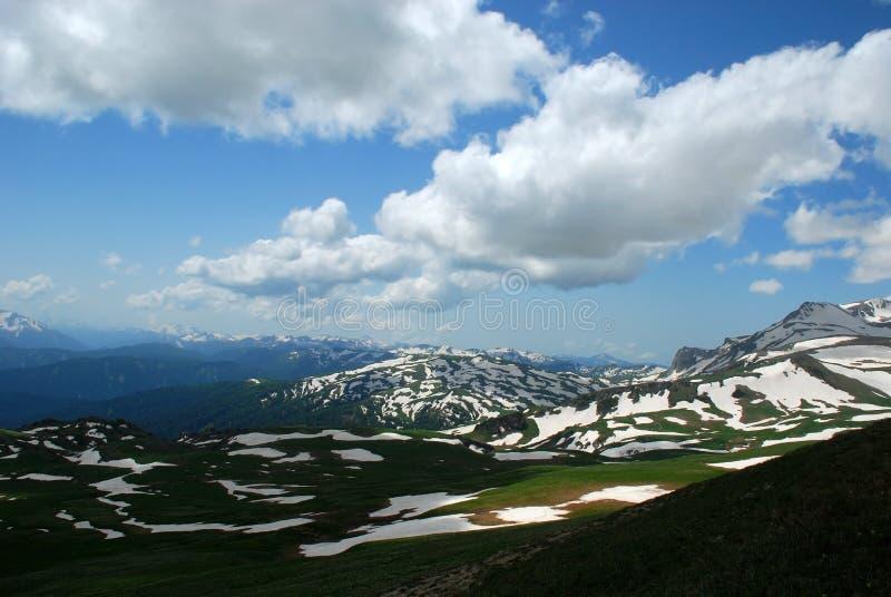 Download Landschaft stockbild. Bild von unkraut, plot, wiese, felsspitze - 12203203