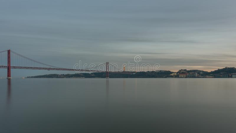 Landschaft auf der Brücke 25 April Lisbon lizenzfreies stockfoto