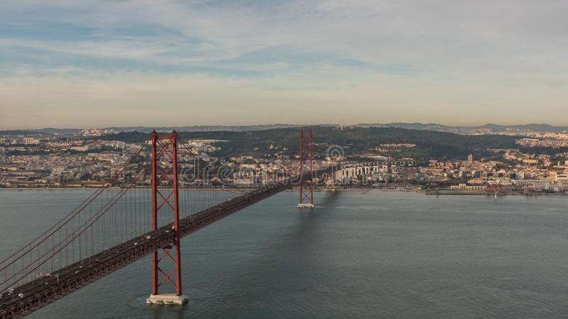 Landschaft auf der Brücke 25 April Lisbon stockbild