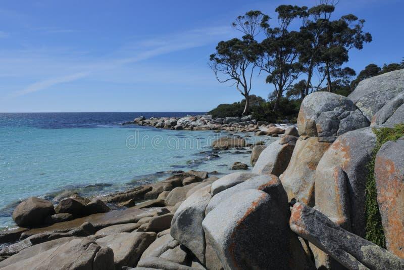 Landschaft der Bucht der Feuer Tasmanien Australien lizenzfreie stockfotos