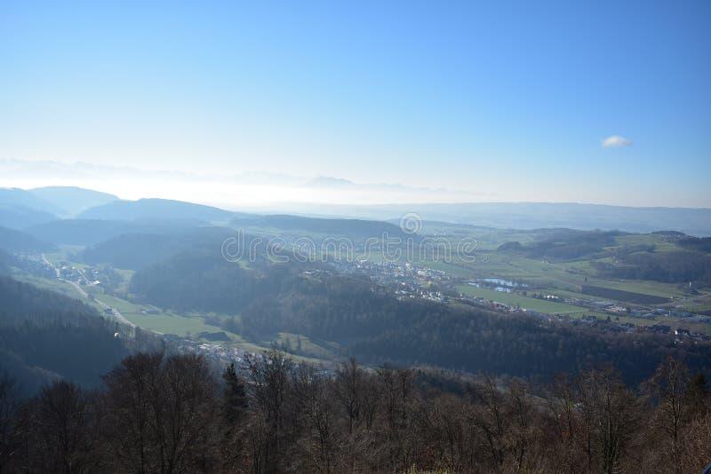 Landschaft der Schweizer Alpen von Uetliberg stockfoto